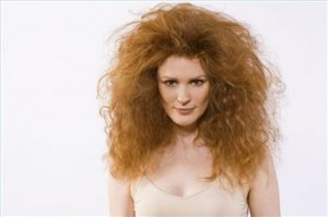 3 Easy Tricks That Tame Frizz