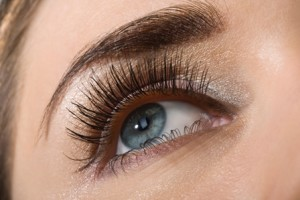Should You Go For Lash Tinting?