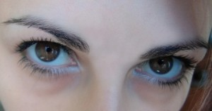 5 Reasons You Should Not Let Your BFF Wax Your Eyebrows!